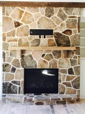 Random Standing TN Fieldstone Fireplace with Ivory Buff Mortar in Sugarhill, GA