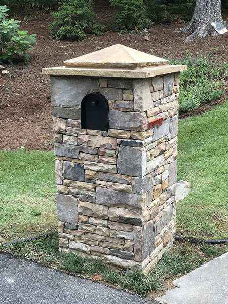 Stone Mailbox with Drystacked TN Fieldstone in Duluth GA (1)