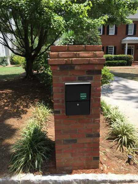 Brick Mailbox in Brookhaven, GA (1)