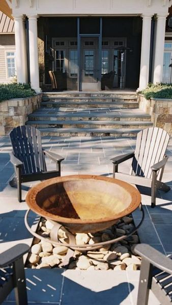 Bluestone Patio with TN Fieldstone Ashlar Accent Walls with Outdoor Fire bowl (1)