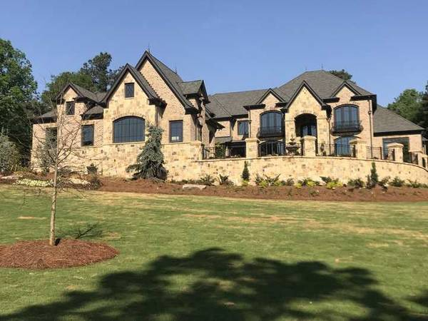 TN Fieldstone Ashlar and Cherokee Brick in Braselton, GA (1)