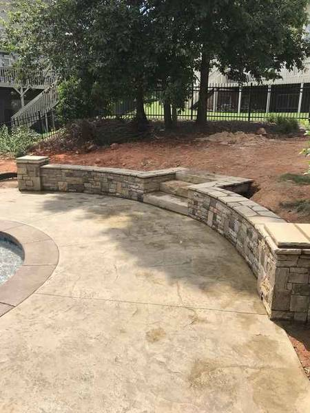 Stone Retaining Wall with One Piece Stone Steps in Dacula, Ga (1)